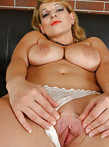 Ramona - Pleasure - 002103