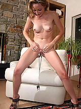 tabitha 11 large labia shaved pussy clamps
