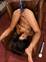 Enge Fotze, Weird Sex Toys and Huge Dildos inside pussy of Lizzy London, Lyla Storm
